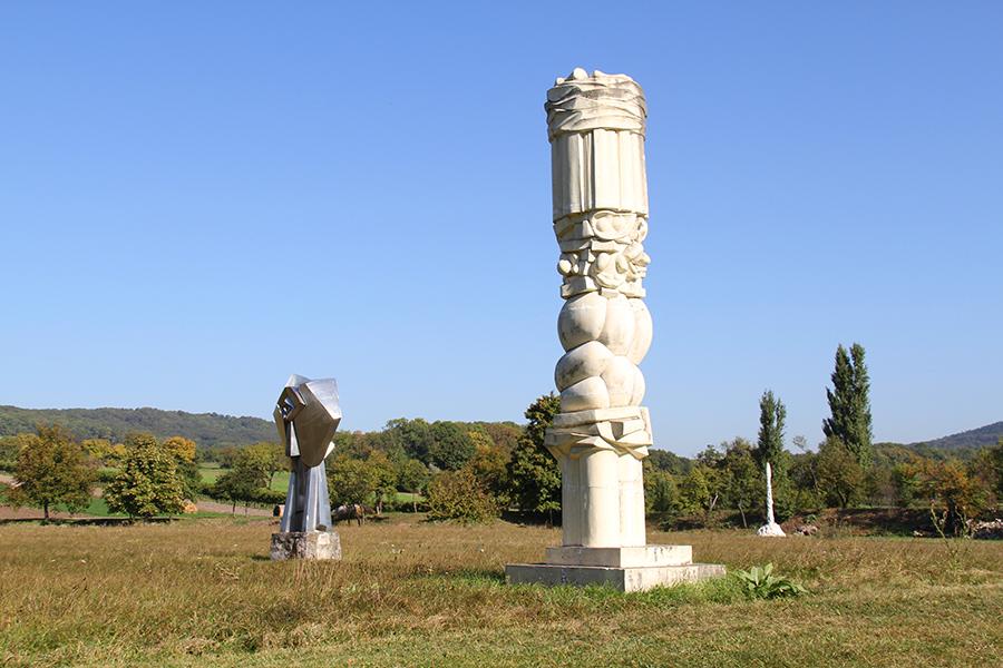 Skulpturen Park im Freilichtmuseum Wander Bertoni