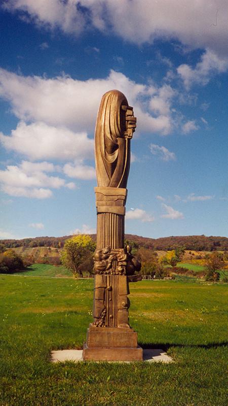 Wander Bertoni, Trauer der Ruinen, 1965, Bronze, Zyklus Metamorphose der Säule